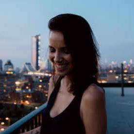 Julie-Stamm-Headshot